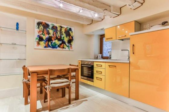 A kitchen or kitchenette at Ca' Bianca