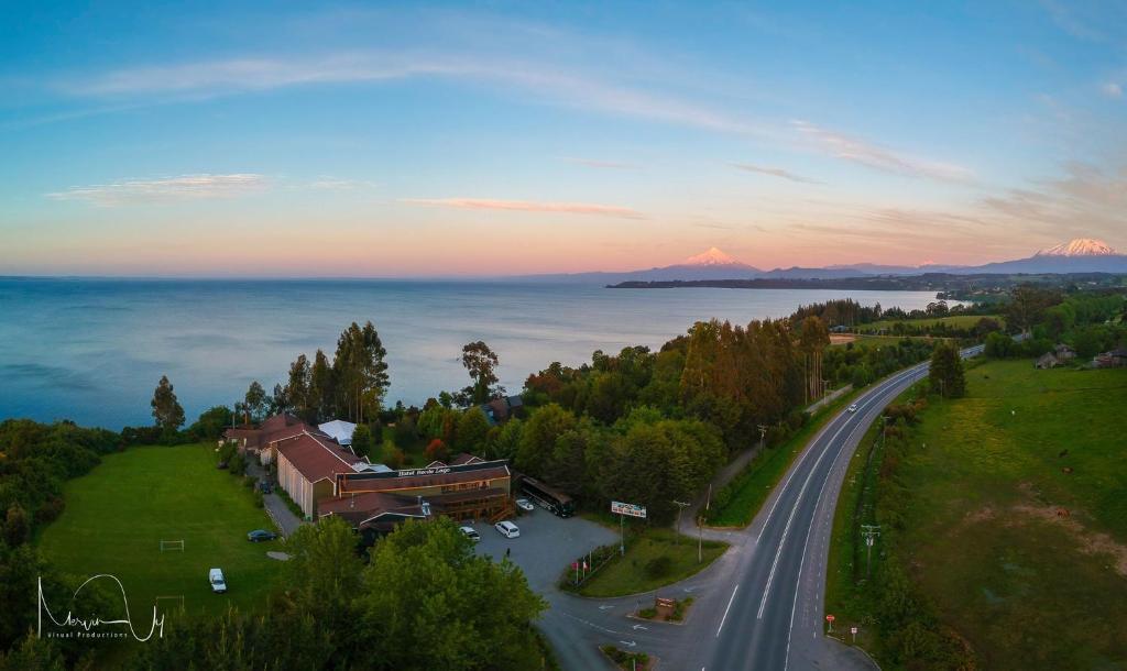 Hotel Borde Lago (Chile Puerto Varas) - Booking.com
