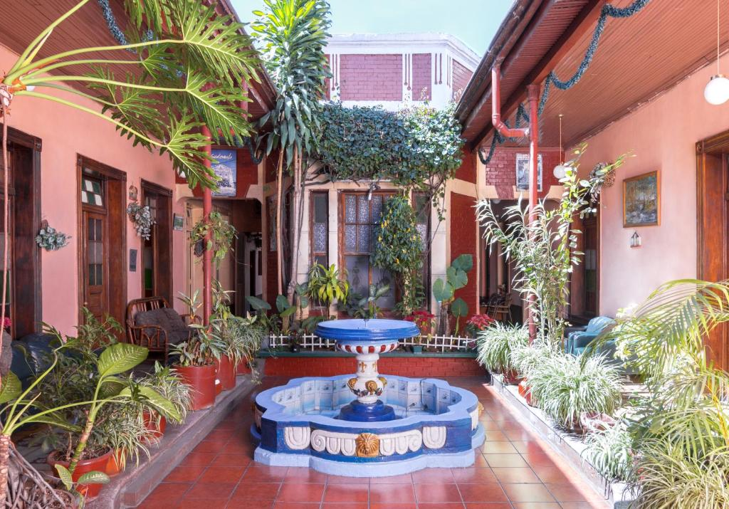 Hotel Montecarlo, Guatemala </p>                     </div> 		  <!--bof Product URL --> 										<!--eof Product URL --> 					<!--bof Quantity Discounts table --> 											<!--eof Quantity Discounts table --> 				</div> 				                       			</dd> 						<dt class=