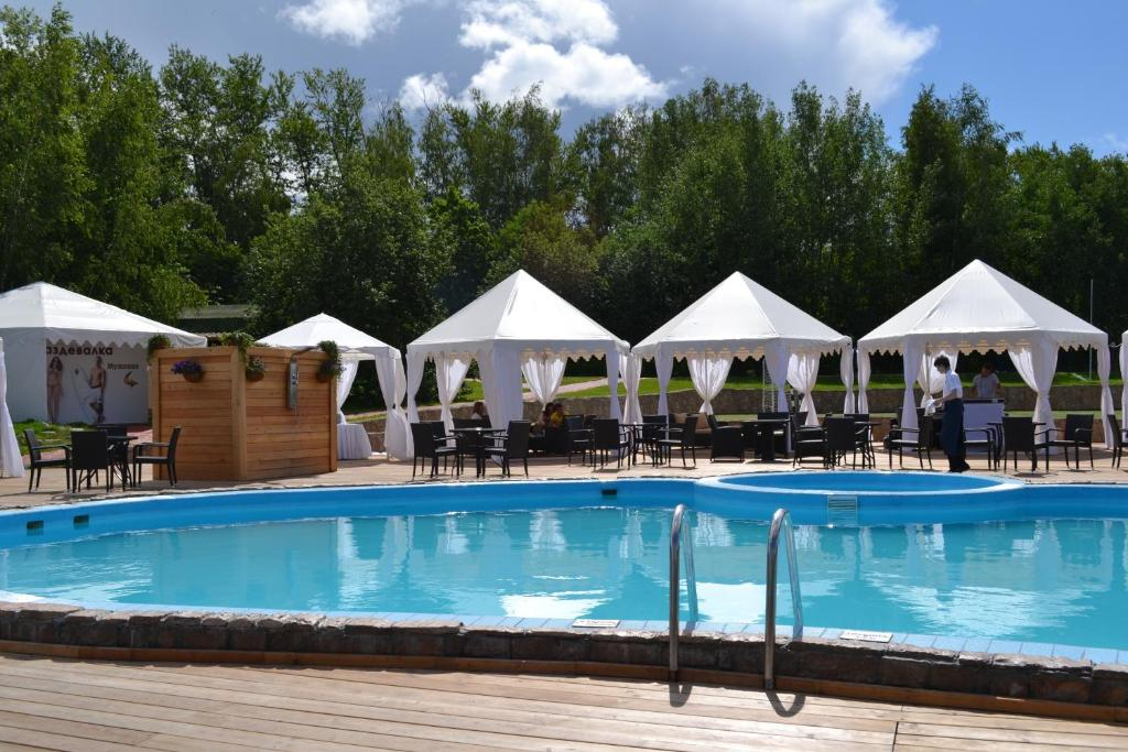The swimming pool at or near Admiral Yacht Club