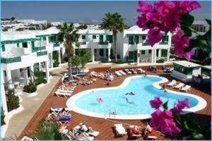 Vista de la piscina de Apartamentos Luz Y Mar o alrededores