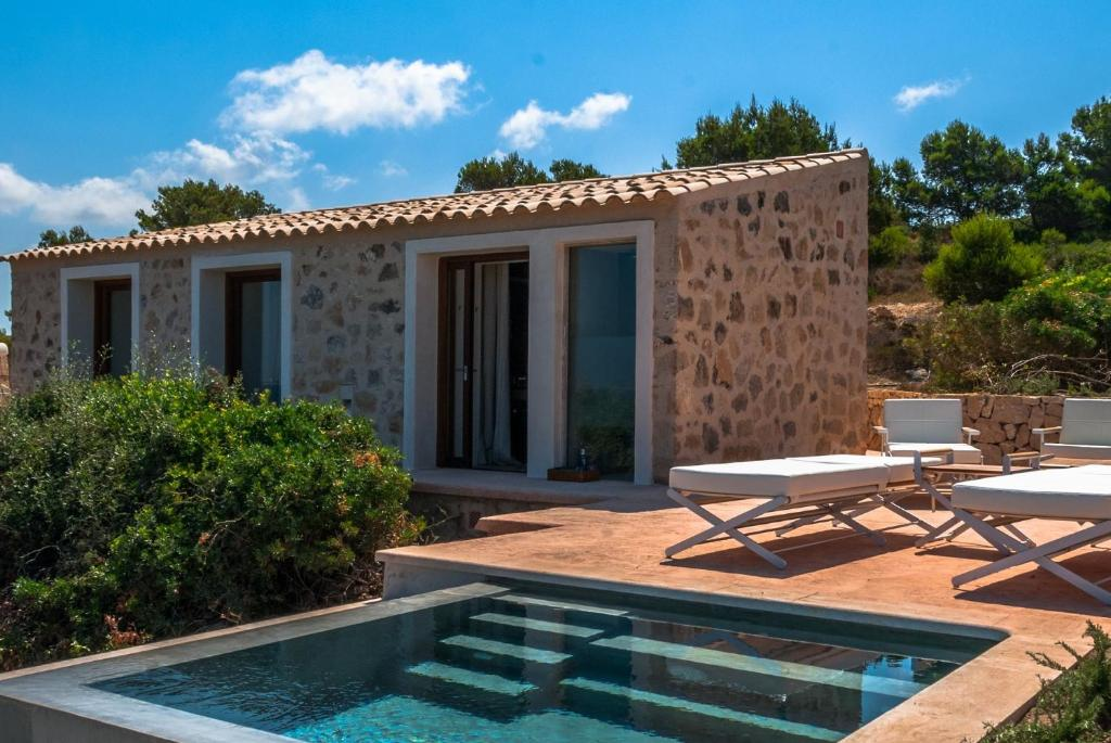 boutique hotels in cala blava  26