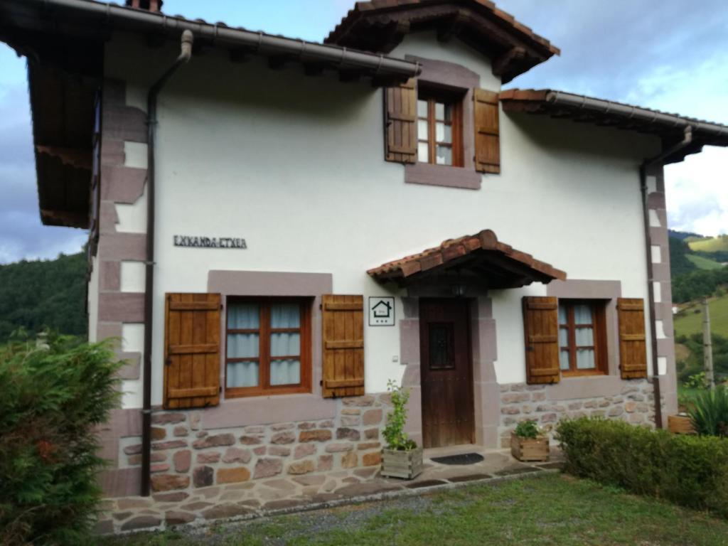 Casa de campo Casa Exkanda Etxea (España Sumbilla) - Booking.com