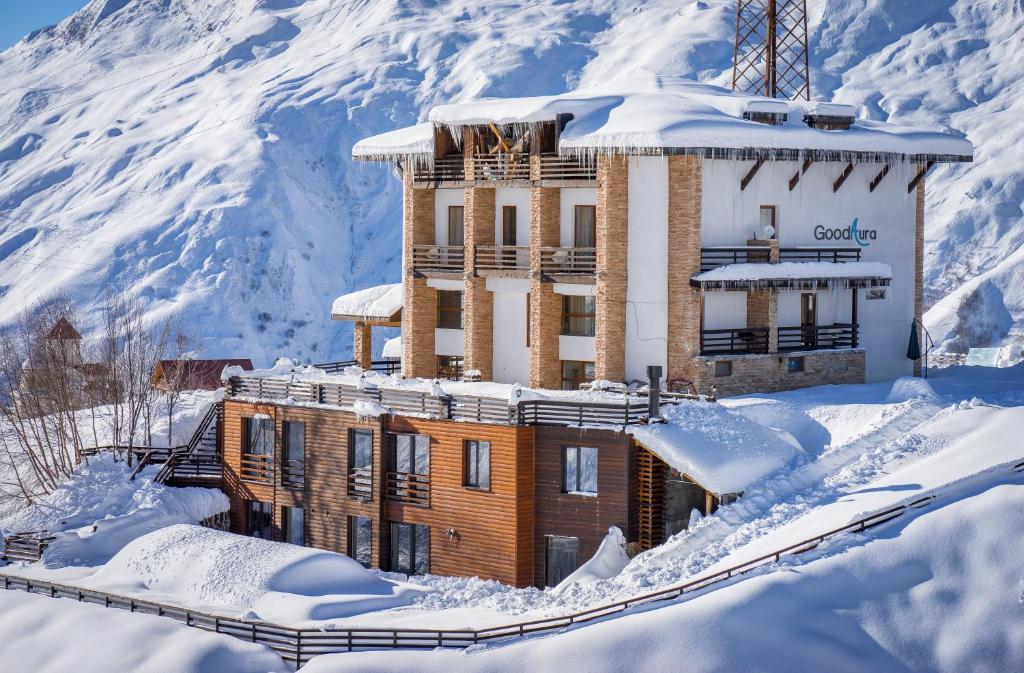 فندق غود أورا خلال فصل الشتاء