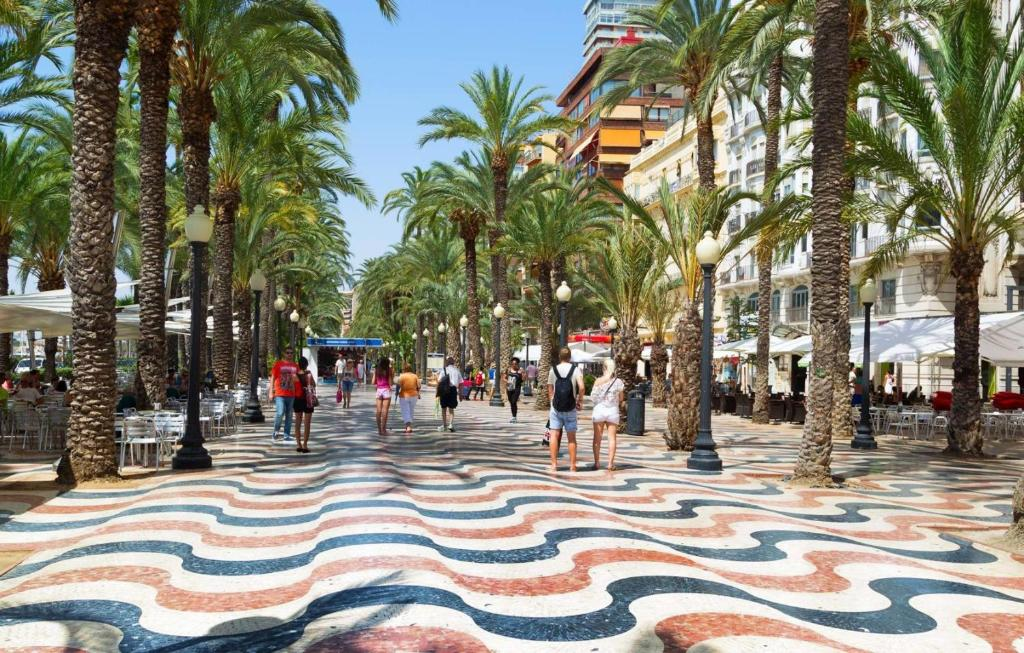 dating nettsteder Alicante etniske Dating Sites UK