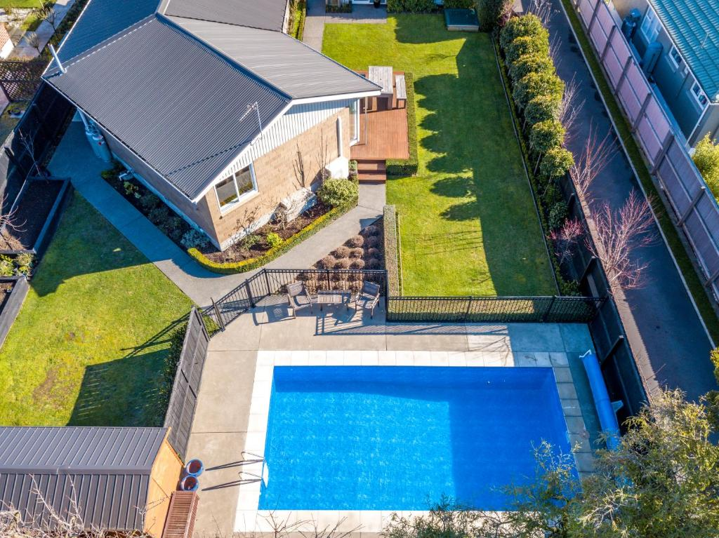 Entire House with Private Swimming Pool, Christchurch ...