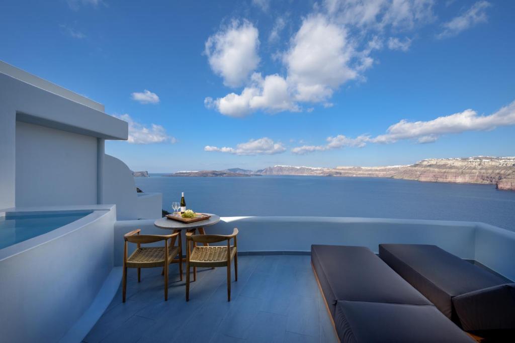 Neptune Luxury Suites