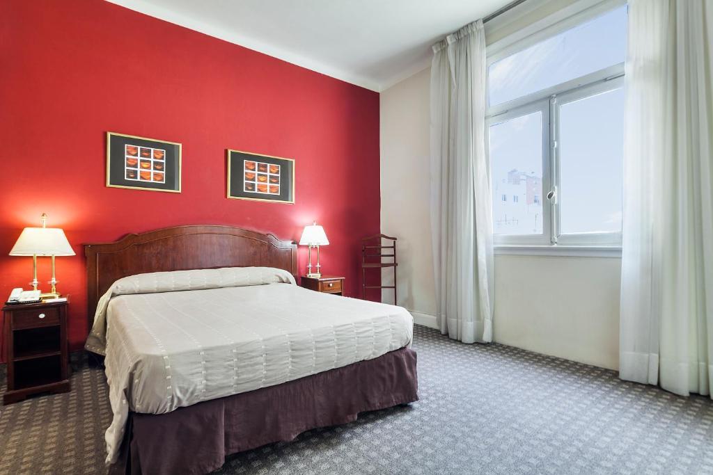 Lova arba lovos apgyvendinimo įstaigoje Catalinas Suites