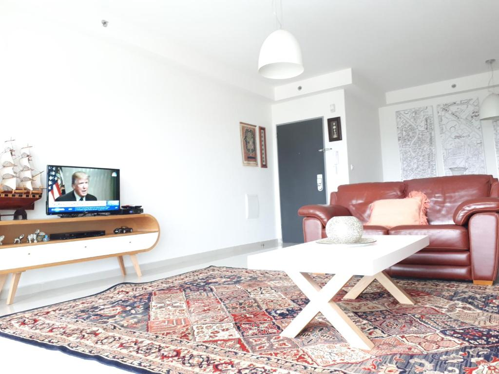A television and/or entertainment center at Apartment in the center Ashdod