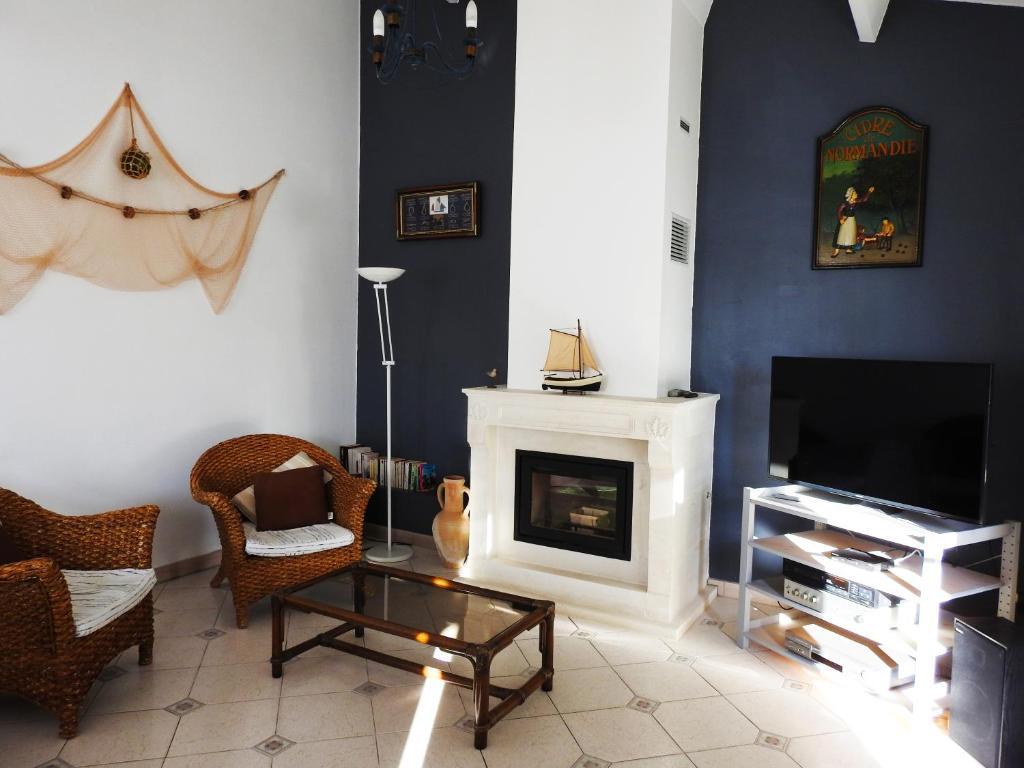 Maison En Bois Normandie vacation home superbe maison de l'île de ré, le bois-plage