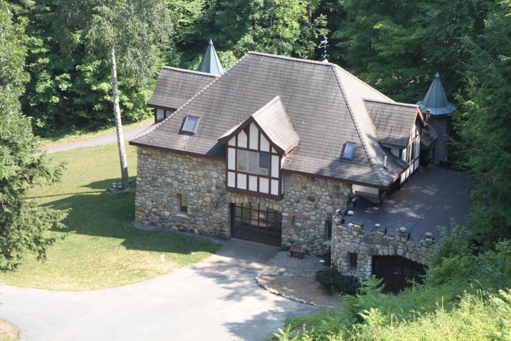 Vacation Home Highlands Castle Gatehouse, Bolton Landing, NY