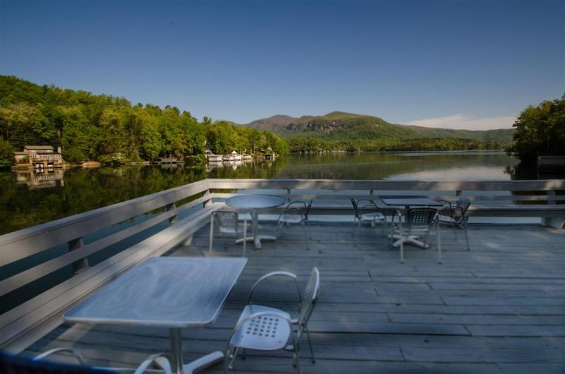 The swimming pool at or near Lodge on Lake Lure