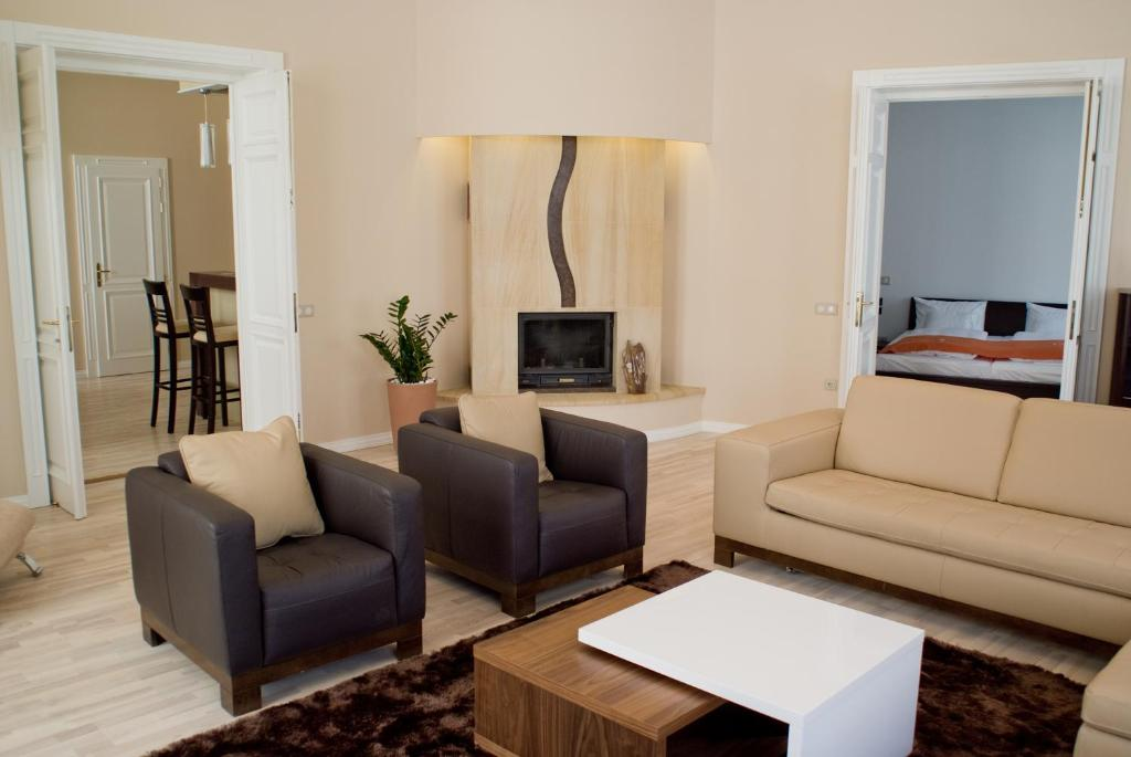 A seating area at Soleil Apartman Szeged