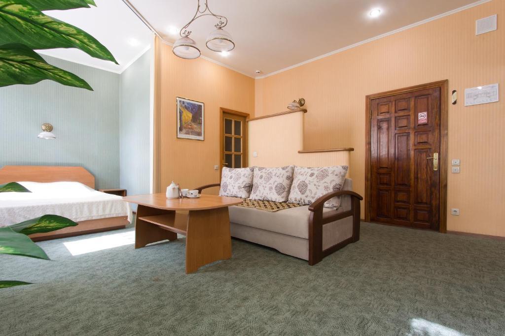 Гостиная зона в Корвет Отель