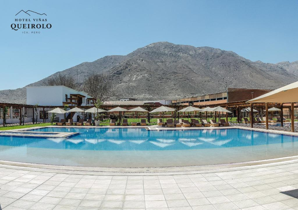 The swimming pool at or near Hotel Viñas Queirolo