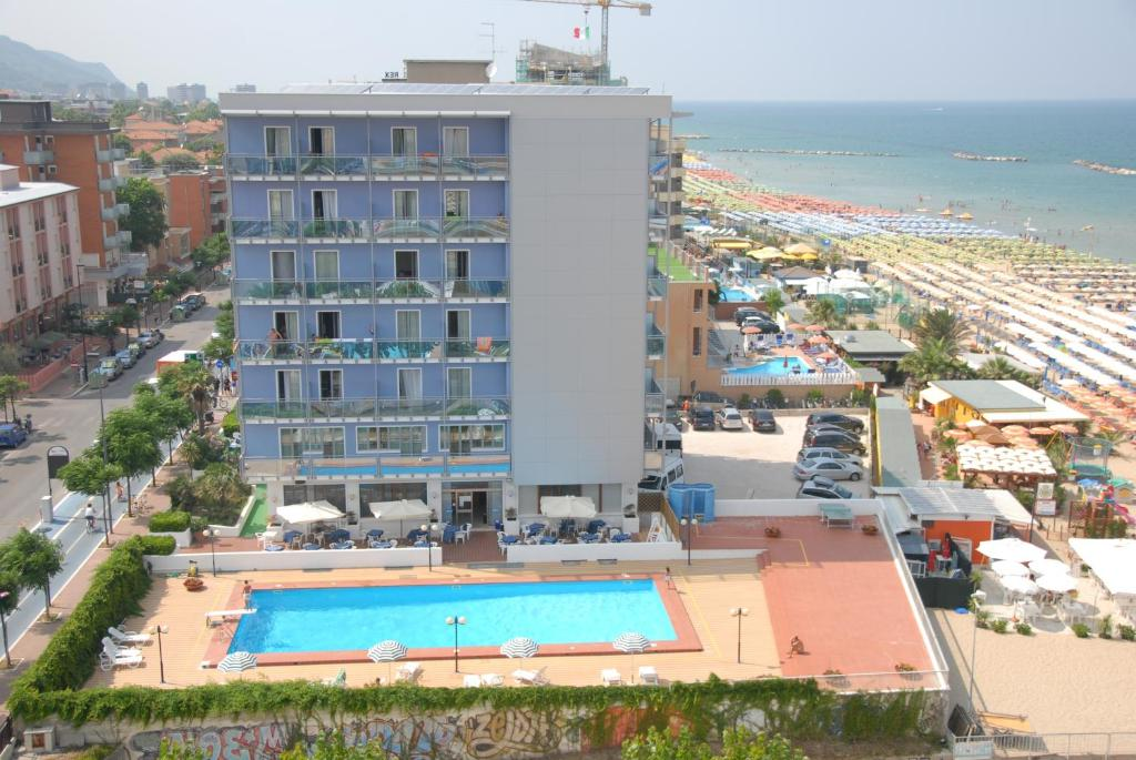 A view of the pool at Hotel Majestic or nearby