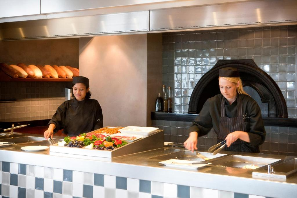 Hotel Van Der Valk Stein Urmond Netherlands Booking Com
