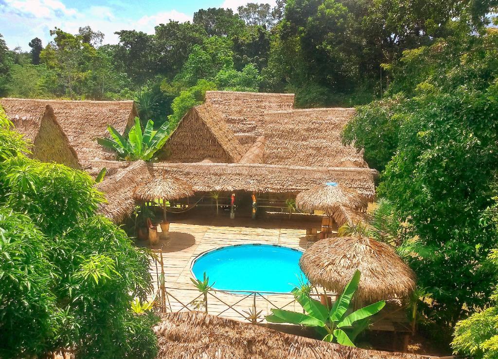 Vista de la piscina de Avatar Amazon Lodge o alrededores