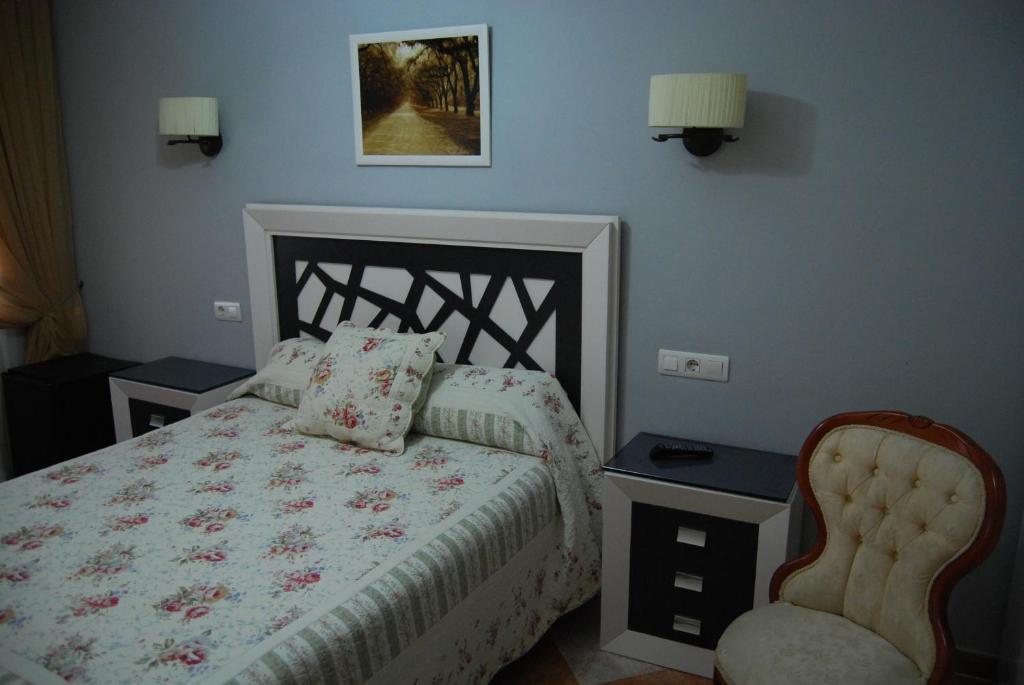 Cama o camas de una habitación en Hostal Pintor