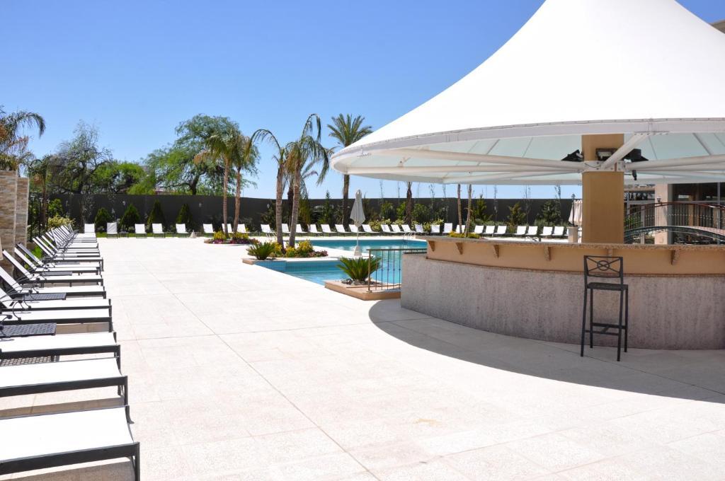 Amérian Hotel Casino Carlos V, Termas de Río Hondo ...