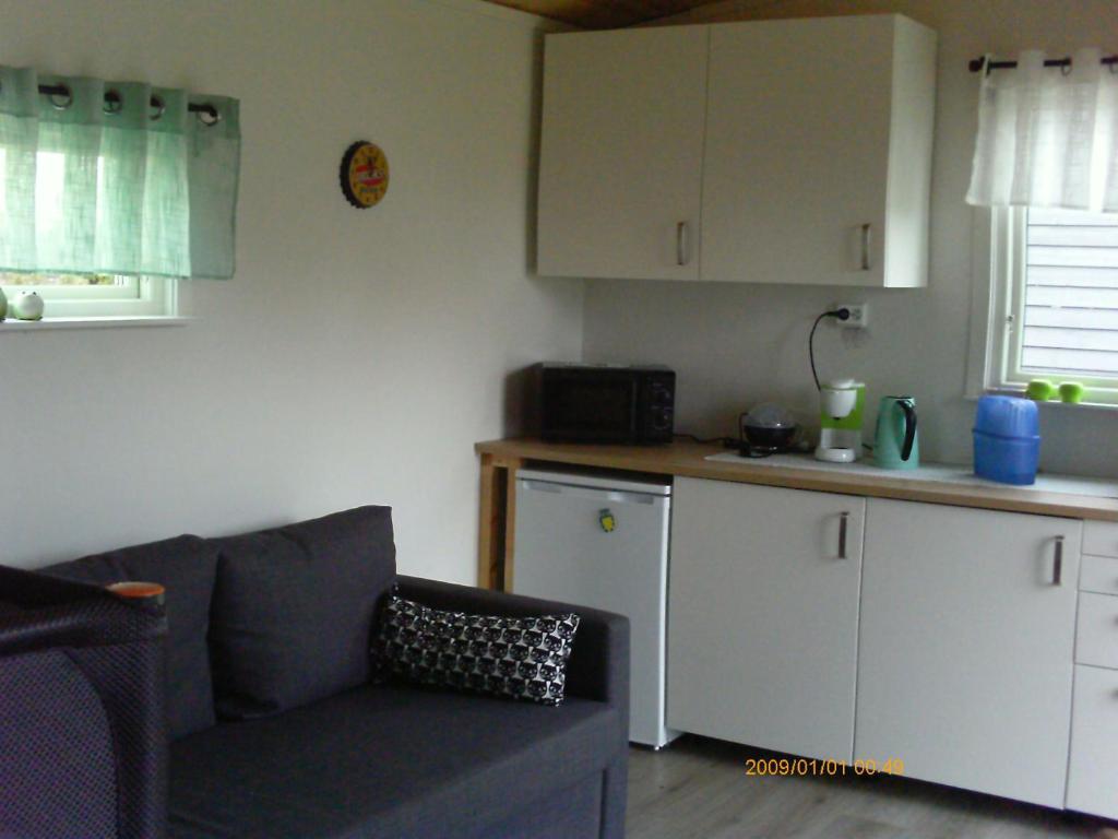 A kitchen or kitchenette at Ronestugan