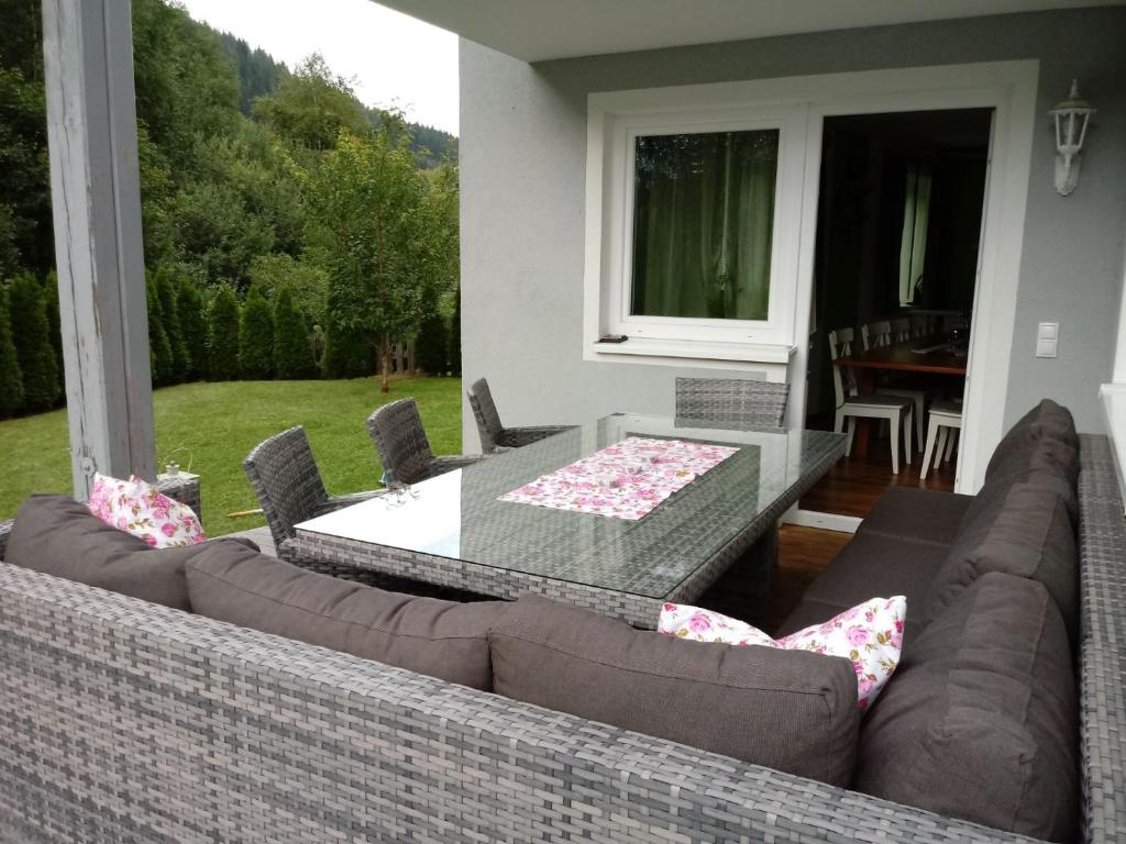 A porch or other outdoor area at Alpen Chalet Eben
