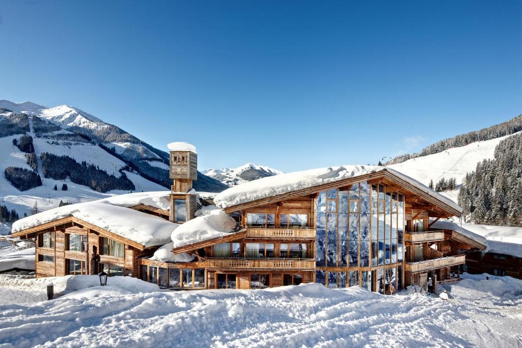 Art & Ski-in Hotel Hinterhag im Winter