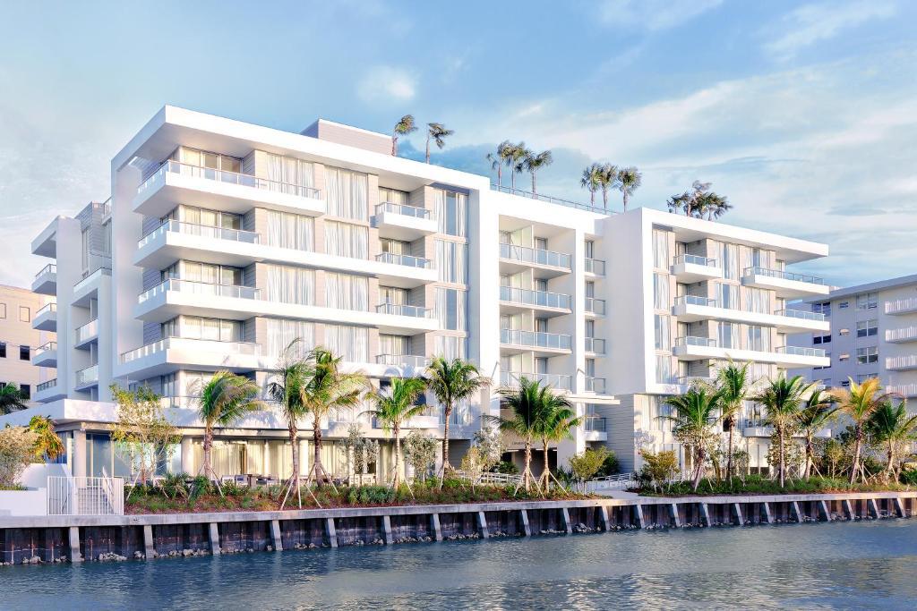Hotel Tryp By Wyndham Miami Bay Harbor Beach Fl