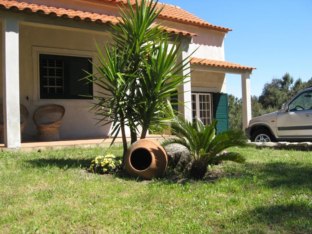 """Jardín al aire libre en Casa """"Quinta Souto da Ordem"""""""