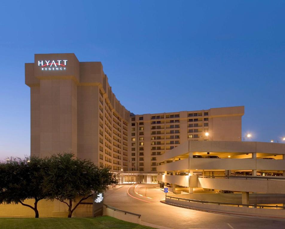 Hyatt Regency DFW International Airport, one of the closest hotels to DFW Airport.