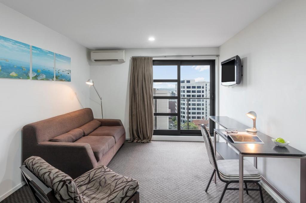 Waldorf St Martins Apartments Hotel