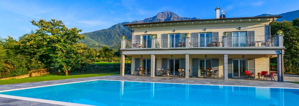The swimming pool at or close to Foresteria Villa Margherita