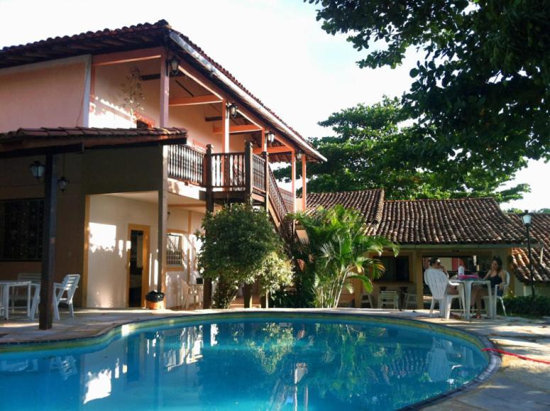 A piscina localizada em Pousada Pouso do Frade ou nos arredores