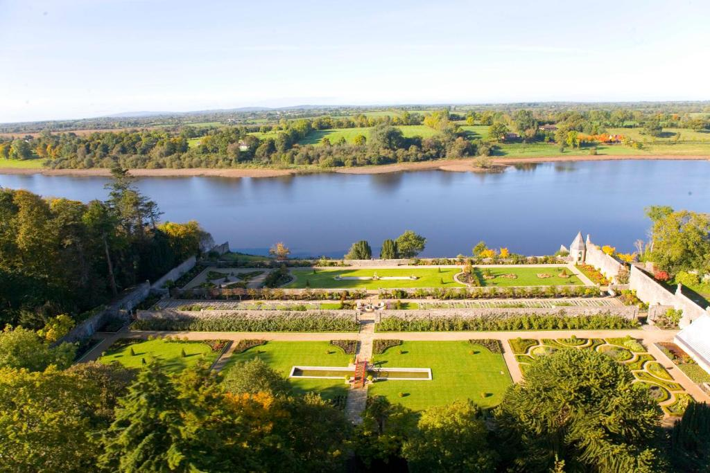 A bird's-eye view of Lough Rynn Castle Self Catering (Official)