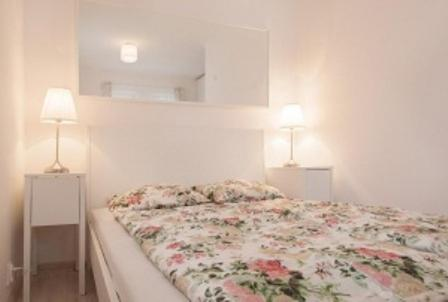 A bed or beds in a room at B&B 4.Couples & 4.Friends Hostel