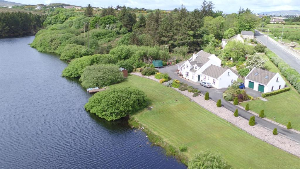 A bird's-eye view of Simply Donegal Adrihidbeg Cottage