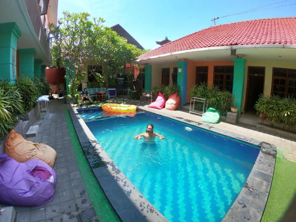 The swimming pool at or close to Celebbest Kuta Hostel