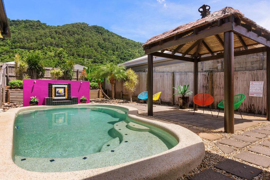 The swimming pool at or near Private Large Cairns Family Home, Rainforest Views