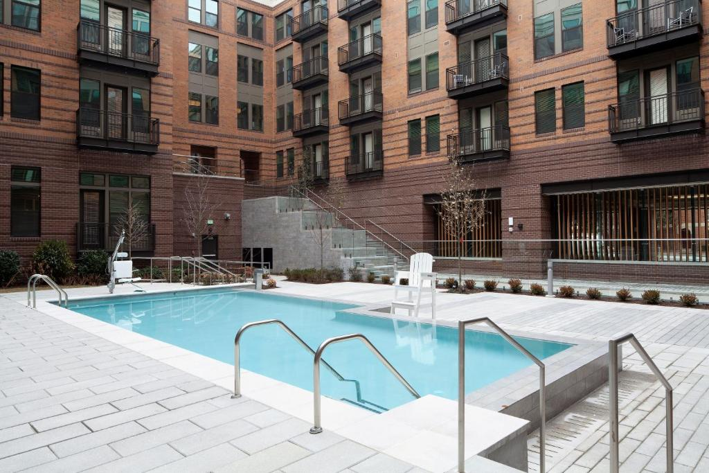 A piscina em ou perto de Stay Alfred on South Charles Street