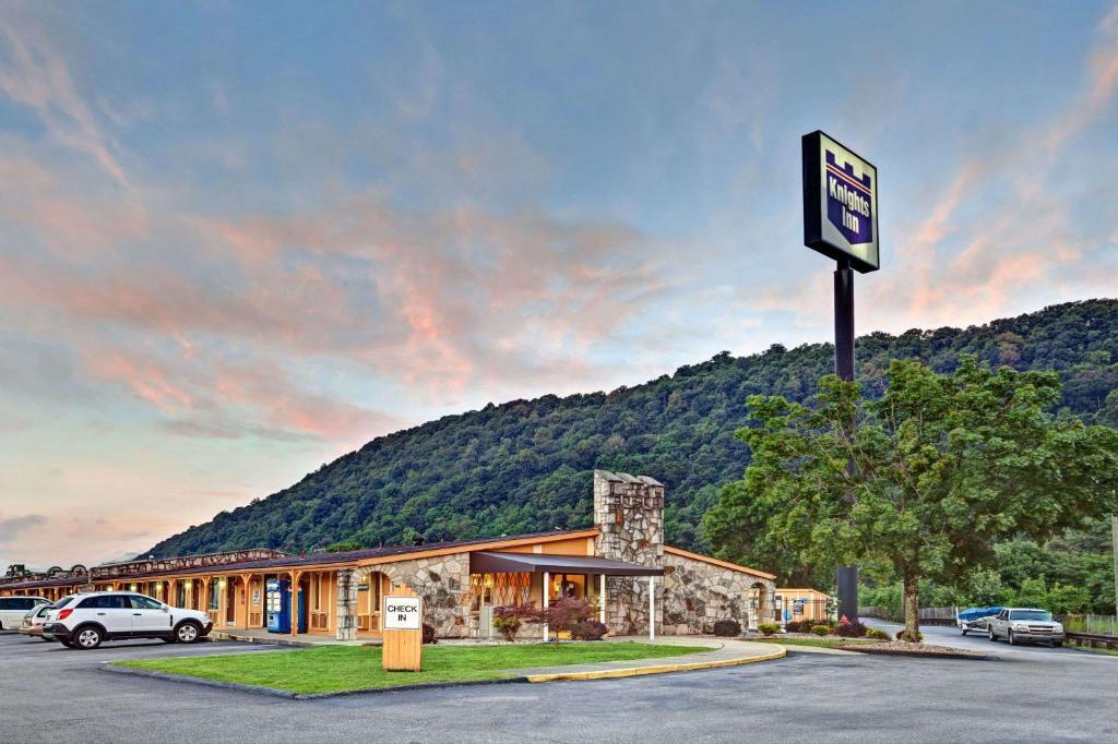 Knights Inn Charleston West Virginia
