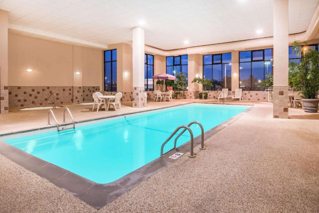 The swimming pool at or near Howard Johnson by Wyndham Rapid City