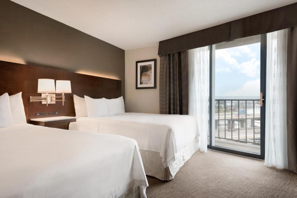 Radisson Hotel Cincinnati Riverfront