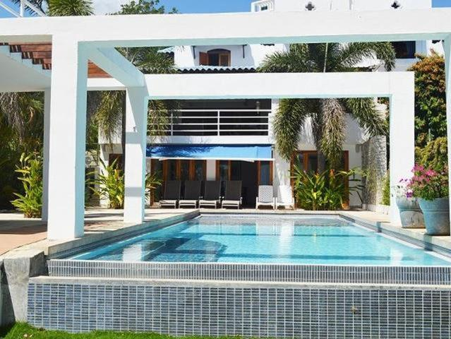 The swimming pool at or near Beach Front Dream Villa
