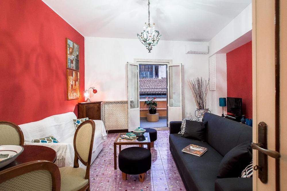 Elegant apartment with a beautiful sunny terrace (Italia ...
