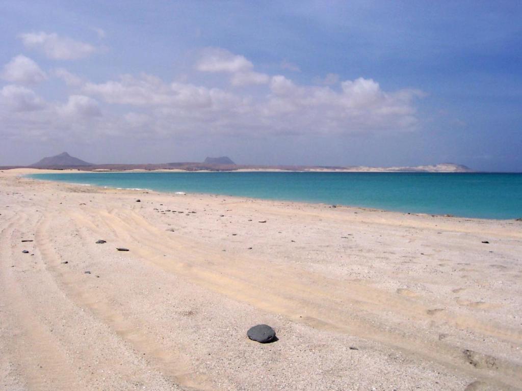 En strand vid eller i närheten av hotellet