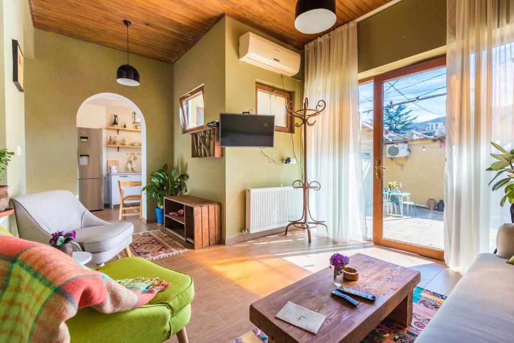 Svetainės erdvė apgyvendinimo įstaigoje our cozy home