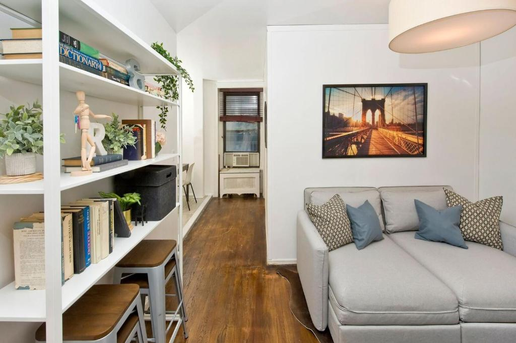 Central Affordable Three Bedroom Apartment, New York ...
