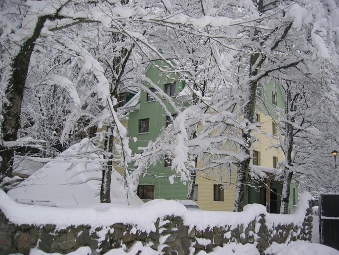 Guest House Piramida during the winter