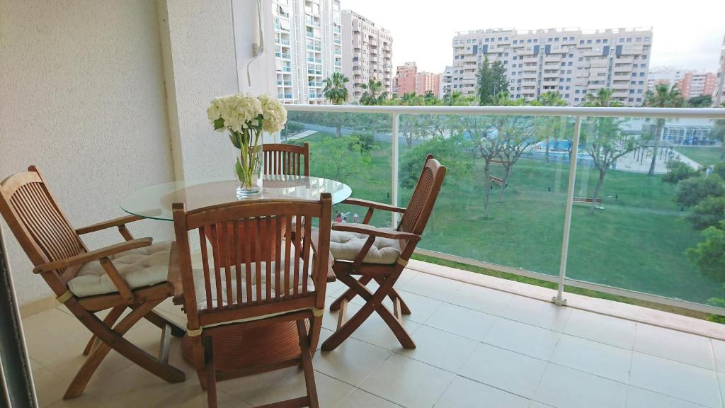A balcony or terrace at Apartamentos Kasa25 Azaleas