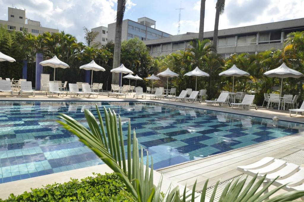 A piscina localizada em Radio Hotel Resort & Convention ou nos arredores